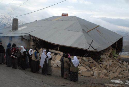 Elazığ'da deprem (08 Mart 2010) galerisi resim 1
