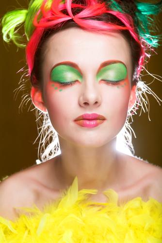 Doğru makyajla her kadın güzel! galerisi resim 6