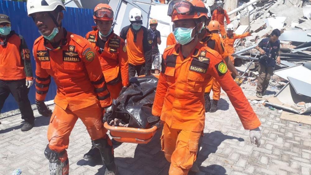 Endonezya'daki deprem: Ölü sayısı bin 203'e yükseldi galerisi resim 2