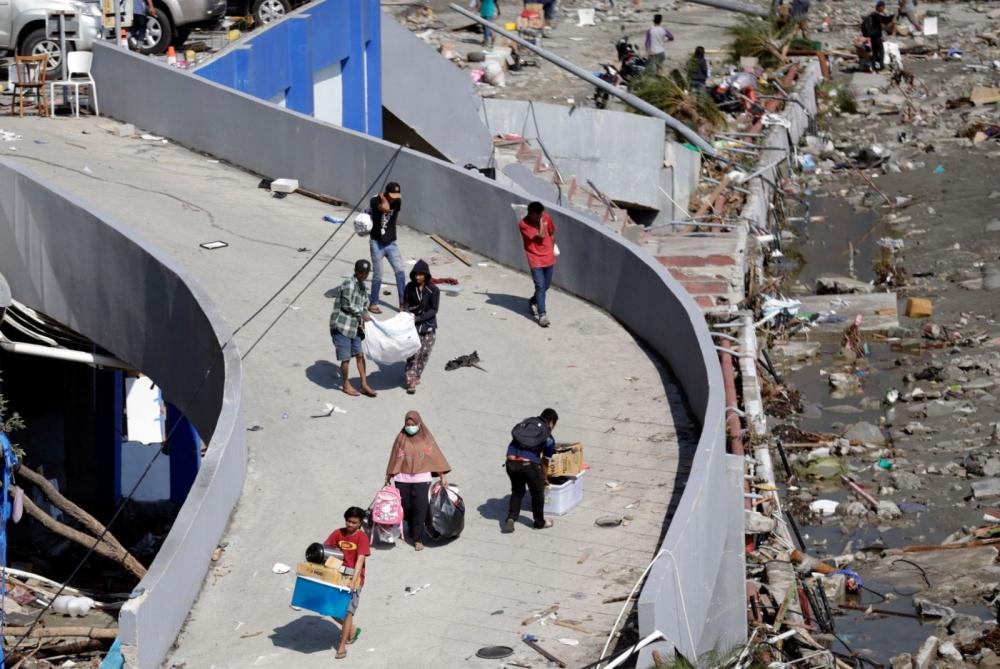 Endonezya'daki deprem: Ölü sayısı bin 203'e yükseldi galerisi resim 8