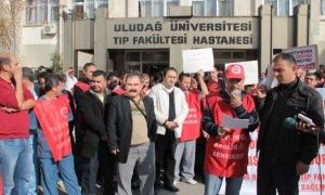 Protesto edecekleri hastaneyi alkış yağmuruna tuttular