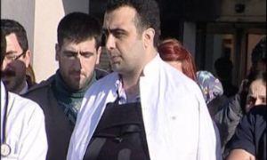 Hasta yakınları tarafından darp edilen doktorun omzu çıktı