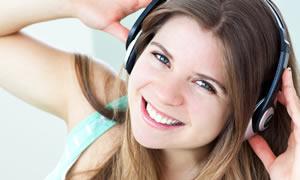 Kulaklıkla Müzik Dinlerken İşitme Kaybı Yaşamayın