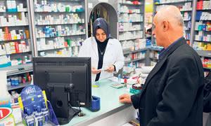 Eczacılar artık ilaç değişikliklerini takip edemiyor