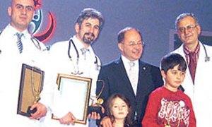 Akdağ'ın elinden ödül alan yılın doktoruna müebbet hapis!