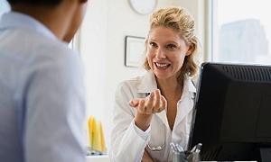 Kadınlardan daha iyi doktor oluyor