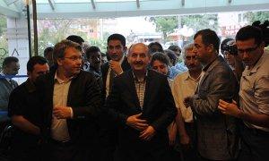 Sağlık Bakanı Müezzinoğlu, Dr. Akan'ı hastanede ziyaret etti