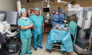 Prostat kanserine çift robotla tedavi