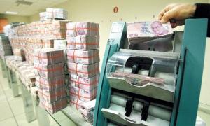 Emeklinin maaşı özel bankaları cezbediyor
