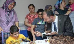 Sağlık-Sen'den pastalı kutlama