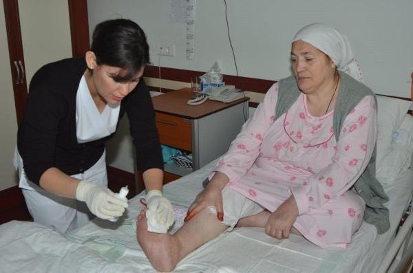 17 hastanın bacağını kesilmekten kurtardı!