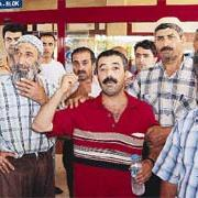 Bitlisli aile 100 kişiyle hastane bastı