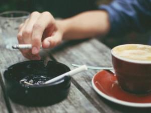 Sigara kafein ile tüketildiğinde daha çabuk bağımlılık yapıyor!