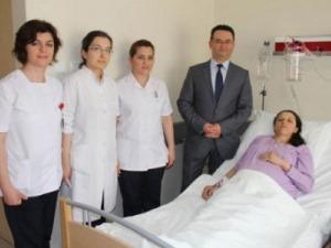 Tıp Dünyası'nda bir ilk daha! Çift rahimli kadın ikiz annesi oldu!
