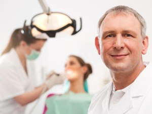 Diş hekimlerinden meslek odalarına yetki verilmesi talebi