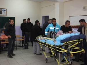 Hastalar sedye ve ambulaslarla oy kullandı