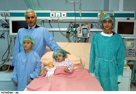 Türk doktordan tarihe geçen ameliyat!
