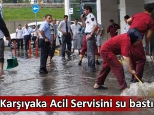 Karşıyaka acil servisini su bastı