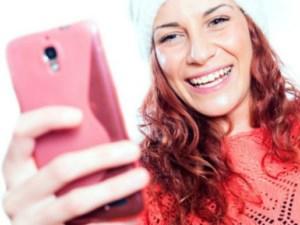 Kadınlara 'selfie' uyarısı: Özgüven kaybına yol açabilir