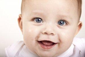 Bebeğinizin İlk Göz Muayenesini İlk Aylarında Yaptırın