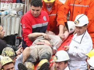 Sağ kurtulan işçinin sağlık ekipleriyle diyalogu yürekleri burktu
