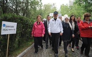 Bakan Müezzinoğlu, Sağlıklı Yaşam İçin Yürüdü