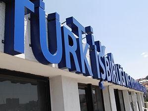 Türkiye'den Irak'a 87 tırlık yardım