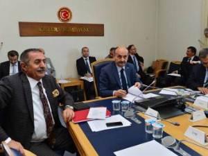 Komisyonda 'Sağlık Enstitüleri Başkanlığı' tartışmaları
