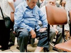 Devlet Başkanı hastanede sıra beklerken görüntülendi!