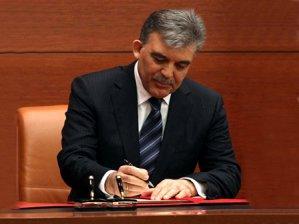 Cumhurbaşkanı Gül'den kanun onayı