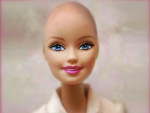 Kemoterapi gören oyuncak bebek!
