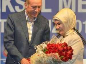 Başbakan'dan eşi Emine Erdoğan'a evliliklerinin 36. yıldönümünde gül gibi jest!