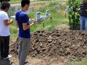 Salih Üslün'ün cenazesi toprağa verildi