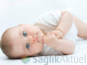 Bebeklerde göz sulanmasına dikkat