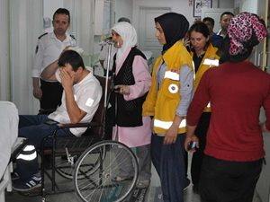 Kaçak yıkımda yaralanan sağlık memurunun görev aşkı