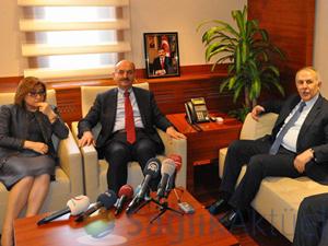Bakan Müezzinoğlu: 'Tıbbi malzemeye 16 milyar harcanıyor'