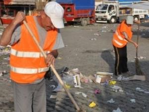 Başkan sekreterliğinden temizlik işçiliğine