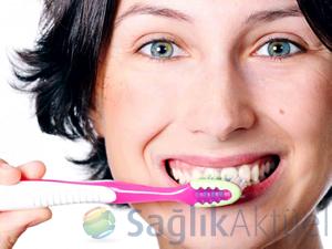 Sağlık Bakanlığından ücretsiz diş fırçası ve macunu