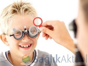 Ailedeki göz bozukluğu çocuk için risk faktörü