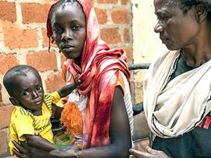 """Liberya'da halk """"kendi kendini tedavi etmeye"""" çalışıyor"""