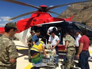 Ambulans helikopter gümüşhane'den bir günlük bebek için havalandı