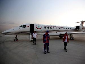 Yaralı Filistinliler Türkiye'ye geldi