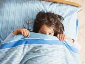 """""""Okul çocuğu her gün aynı saatte kalkmalı"""""""