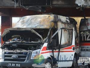 Ambulansı yanan hastaneye yeni ambulans verildi