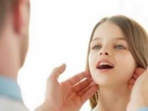 Çocuğunuzun boynundaki bezelere dikkat
