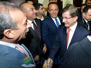 Davutoğlu'nun adaylığına partililerden ilk değerlendirmeler
