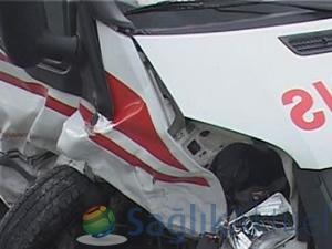 Ordu'da ambulans, otomobille çarpıştı: 5 yaralı