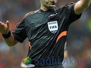 Bilincini kaybeden futbolcu için hakeme yetki