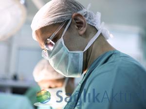 Anne karnındaki bebeğe yumurtalık kisti ameliyatı