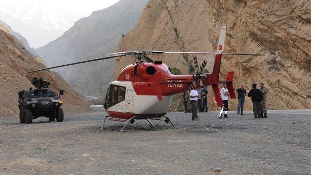 Sağlık Bakanlığı helikopteri karayoluna acil iniş yaptı